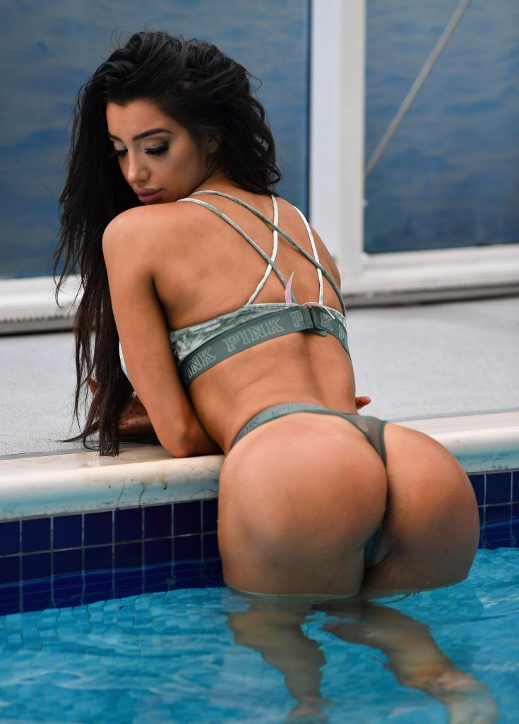 Chloe Khan Sexy (11 Photos)