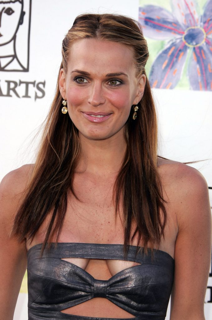 Molly Sims Sexy (10 Photos)