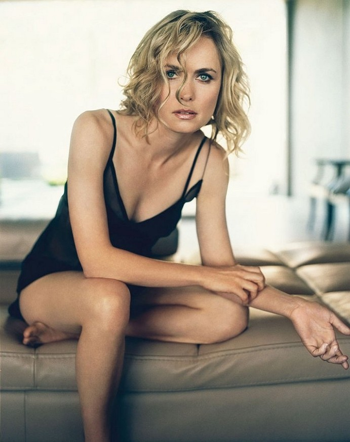 Radha Mitchell Nude & Sexy (20 Photos + Gifs)