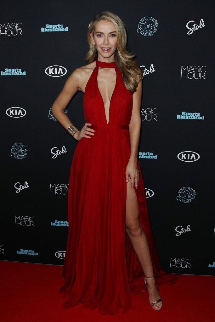 Olivia Jordan Sexy (20 Photos + Video)