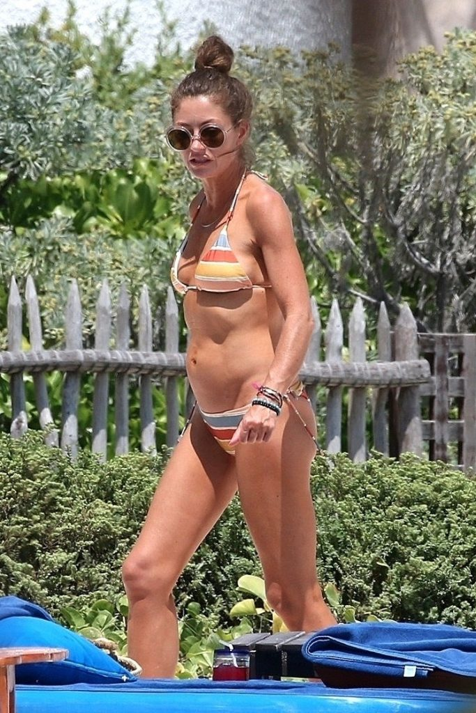 Rebecca Gayheart Shows Off Her Sexy Body in Mexico (14 Photos)